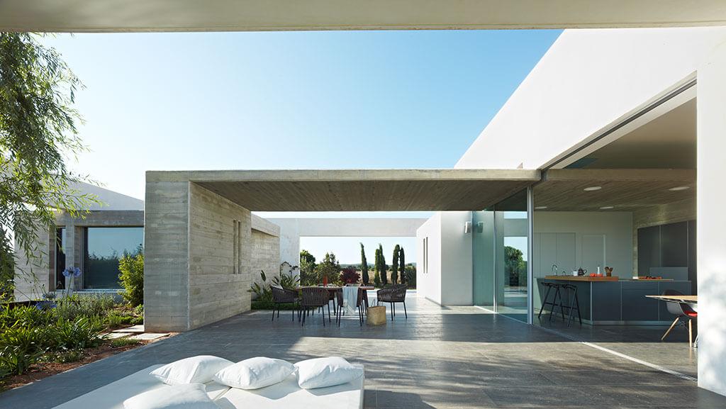 Arquitectos en ibiza can frit ibiza house in ibiza by roberto ercilla v tipaza house ibiza - Arquitectos ibiza ...